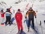 На леднике всё залито солнцем, поэтому без солнцезащитных очков не обойтись
