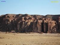 Доли́на Ти́мна — впадина, расположенная на юге пустыни Арава, в 25 км севернее Эйлата. Эта впадина, по форме напоминающая подкову, занимает площадь примерно ...