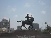 Памятник А.Македонскому