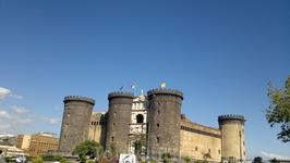 Анжуйский замок в Неаполе