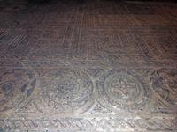 И вот эта красивая мозаика романского периода.