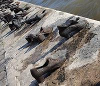 Памятник евреям на берегу Дуная