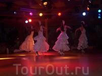 кстати, Фламенко шоу на К.Браве гораздо интереснее шоу на К. Даураде если вы будете отдыхать в Каталонии - очень рек-ю приобрести эту экскурсию