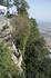 Обрыв за мостиком,с которого открывается  красивейший пейзаж  Сан-Марино и на этом  мостике  все  обязательно  фотографируются.