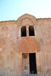 Нораванк в переводе с армянского означает «новый монастырь». Хотя сегодня он вряд ли оправдывает свое название, поскольку возраст у него очень почтенный ...