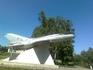 Самолёт - памятник Чкалову