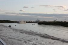 отплываем от Якутска к Ленским столбам =)