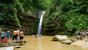 За этим водопадом ущелье расширяется и открывается изумительный вид.С высоты пятиэтажного дома узкой и длинной лентой падает вода.Под водопадом небольшое озеро.Этот водопад имеет два названия-&quotШну