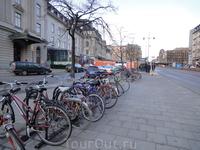 Велосипед - любимый вид транспорта шведов.