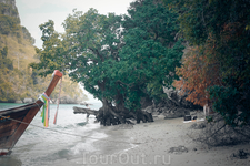 Остров Пак Биа, архипелага Хонг, конец пляжа