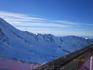 на самой вершине, высота 2200 над уровнем моря