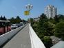 """Мост у санатория """"Светлана"""". Хорошо видны машины, стоящие в одной из бесконечных сочинских пробок"""
