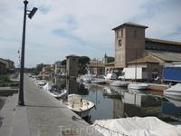 Porto Canale- граница между демократичной Червией и пафосной Милано-Мариттима