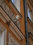 Варшава.  фасад дома