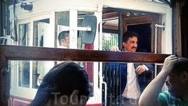 Водители трамвайчиков на улице Истикляль оч крутые парни)