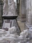 Надгробия эпохи Валуа.Шедевр средневековой скульптуры.