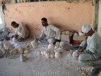 алебастровая фабрика в Луксоре