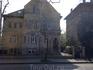 Это один из множества прекрасных старых домов на Пештской стороне