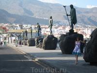 Candelaria - статуи менсеев гуанчей, которые правили на Тенерифе до испанского завоевания