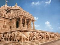 Делі. Храм Акшардхам. Храмовий комплекс був офіційно відкритий 6 листопада 2005 року