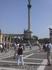 Левая половина   Площади Героев,  в центре  36 метровая колонна- памятник тысячелетия Венгрии.