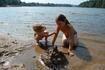 Рощинка солнечная. Обыкновенный счастливый день, обыкновенный замок из песка. Дети знают  - это безупречная конструкция: даже если сломают, строится снова ...
