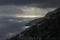 Такие пейзажи открываются по пути из Поджеролы в Амальфи