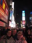 Я с женой и дочерью на Тайм Сквере.