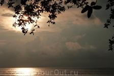 Закат на Гили Траванган.