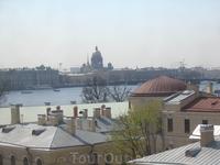 Петропавловская крепость. Вид из окон Петропавловского собора на Исаакиевский собор.