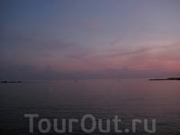 Фиолетовое море