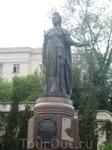 Екатерина II стала первой туристкой в Крыму. Ей захотелось посмотреть свои таврические владения, а заодно выяснить, чем занимается её милый друг Григорий ...