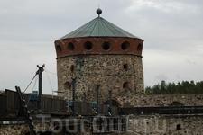 Савонлинна — одно из древнейших поселений в Финляндии. История города тесно связана с крепостью Олавинлинна (по-шведски Олафсборг). Она была заложенной шведами в 1475 году и названа Нюслотт (швед. Nys