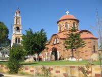 По пути в Парассониси, в одной из деревушек заезжаем в церковь Св. Герасима.