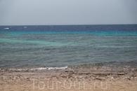 Красное море. Изумрудное, нет синее, нет голубое - вообщем чистое и красивое море!