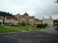 восстанавливаемые отели (самый большой еще заброшен и ждет реставрации)