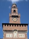 Главная башня замка и главные ворота въезда в замок - это башня Филарета. Сама башня – это многоуровневая постройка, имеющая четырехгранную структуру высотой ...