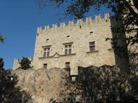 Крепость в старом городе.