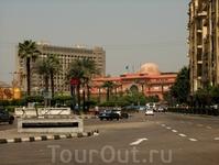 Тахрир и Национальный музей.