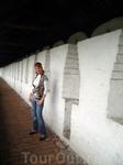 в стенах монастыря