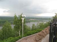 Вид от памятника на реку Уфу и ж.д. мост. Очень красиво памятник смотрится из поезда при подъезде к Уфе