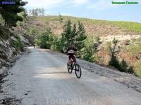 Начало нашей велорегаты было простым - дороги широкие и ровные.