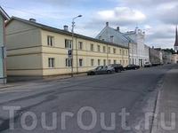 Главная улица, название оригинальное - Pikk!
