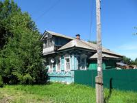 Этот домик расположен в районе Покровской церкви