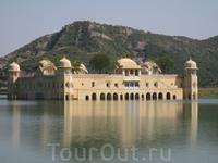 Джайпур. Палац на воді