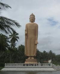 Стоящий Будда в Канди