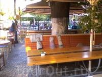 Одесские кафе оформлены с фантазией.