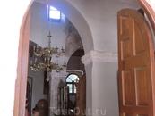 Заглянули в церковь святой Анафонитрии.