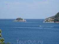 Остров Черепаха. Гиды говорят, что он разделяет Средиземное и Эгейское моря.