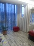 Т.к. в Тбилиси мы останавливались дважды, у нас было 2 разных квартиры. Это фото интерьера одной из них. Из окна открывается хороший вид на город.